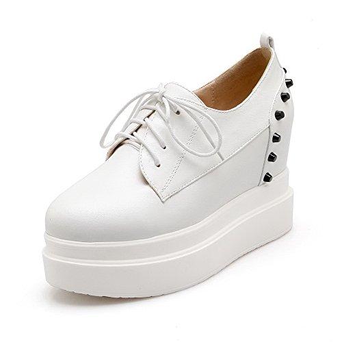 AmoonyFashion Womens Round-toe kitten-heels Solid pumps-shoes White 1WiB6HX