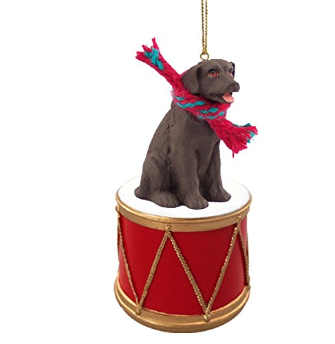 LABRADOR-RETRIEVER-Chocolate-Dog-sits-on-DRUM-wscarf-Christmas-Ornament-DRD24C