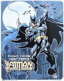 8d4739b61d Amazon.com  Batman Luxury Plush Twin Size Throw Blanket  Home   Kitchen