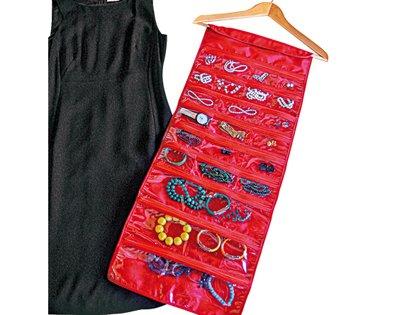 Armadio per gioielli idee creative per i portagioielli - Porta orecchini a libro ...