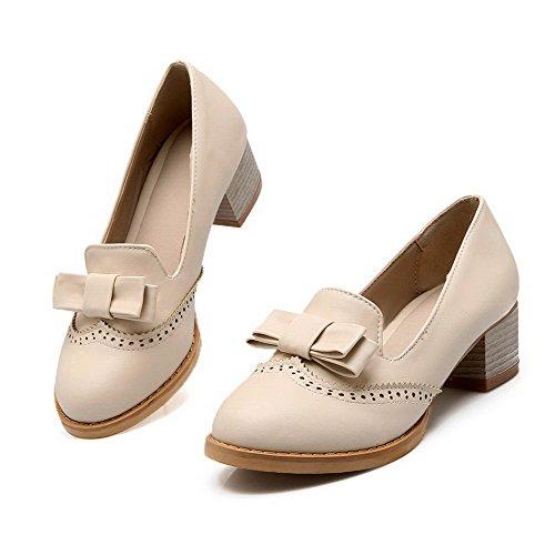 AllhqFashion Damen Rund Zehe Ziehen auf PU Mittler Absatz Pumps Schuhe Cremefarben