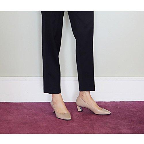Karen Hvit Patent Skinn Firkantede Tå Midten Hæl Klassisk Pumper Sko For Kvinner Rosa