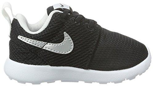 Nike Barns Roshe En Løbesko Sort / Metallisk Sølv-hvid qfZ235Ve
