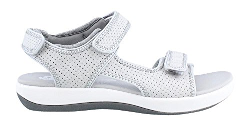 Clarks Women's Brizo Sammie Flat Sandal, Light Grey Perfo...