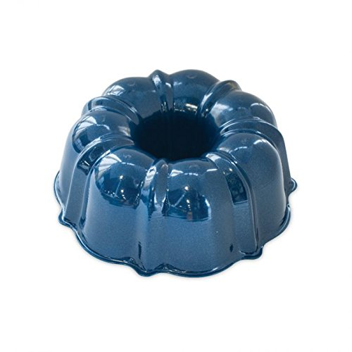 Nordic Ware 51323AMZ Formed Bundt Pan, 6-Cup, Navy - Nordic Ware Formed Bundt Pan