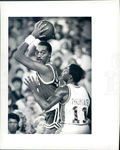 Vintage Photos 1990 Press Photo NBA Boston Celtics HOF Guard Dennis Johnson DJ - snb9985