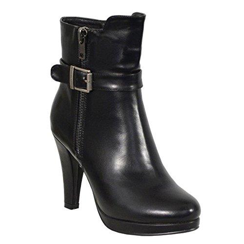Milwaukee Performance Women's Side Zipper Entry High Heel Boots (Black, Size 6)
