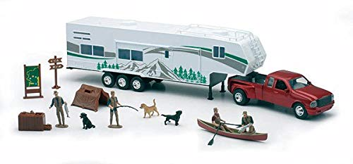 New Ray Toys 1/32 Fifth Wheel Camping Set w/ Outdoor Activities and Miniatures (Truck W Camper)