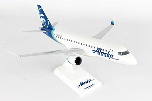 Skymarks SKR923 Alaska Airlines Horizon Embraer ERJ-175LR 1:100 Scale REG#N620QX Display Model with Stand