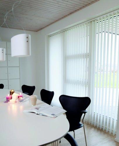 Lamellenvorhang / Vertikalanlage LINE ~ Farbe: weiss ~ (BxH): 150x250 cm ~ Vertikaljalousie ~ Lamellenbreite: 89mm