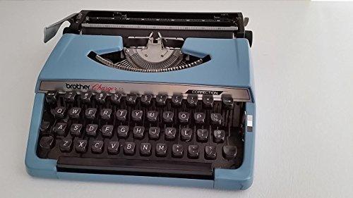vintage manual typewriter - 5