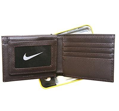 Nike Men's Genuine Leather Pebble Passcase Wallet