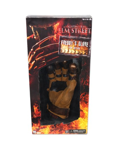 Prop Street Elm - NECA Nightmare on Elm Street Original Freddy's Prop Replica Glove