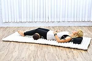 Leewadee Pequeño Yoga Bolster Redondo Cojín Pilates Almohadas Cervicales Reposacabezas Orgánico Naturalmente Ecológico, 55x15x15 cm, Capok