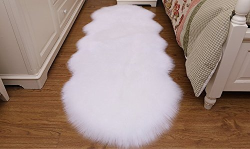 HUAHOO 2 x 6 ft Faux Fur Rug White Fluffy Rug Comfy White Shag Rug Thick Fuzzy Rug