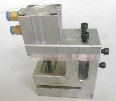 Butterfly hole plane hole pneumatic punching machine plastic hole punch device used on three sealing bag making machine