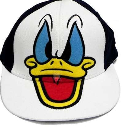 267fdc1098e Disney s Donald Duck Hat - Angry Donald Duck Baseball Cap  Amazon.ca   Clothing   Accessories
