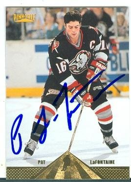 Pat LaFontaine autographed hockey card (Buffalo Sabres SC) 1996 Pinnacle #27
