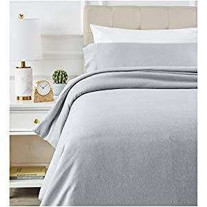 AmazonBasics Chambray Duvet Cover Set - Twin/Twin XL, Soft Navy