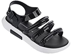 These fantastic Flox sandals are classy with a sporty sole for some outdoor summer fun.