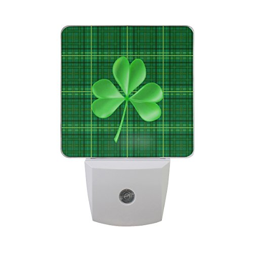 Naanle Set of 2 Green Four Leaf Clover Irish Shamrock in Plaid Auto Sensor LED Dusk to Dawn Night Light Plug in Indoor for Adults ()