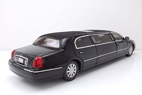 Amazon Com 2003 Lincoln Town Car Limousine Black 1 18 Diecast Car