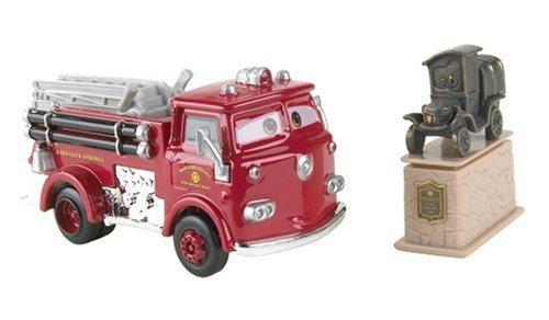 Stanley /& Red Mattel H8177 IP-2RGP-XW4C Cars Movie Moments Car Set