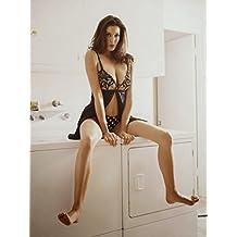 Teri Hatcher sexy hot posing on washing machine 8 inch x 10 inch PHOTOGRAPH