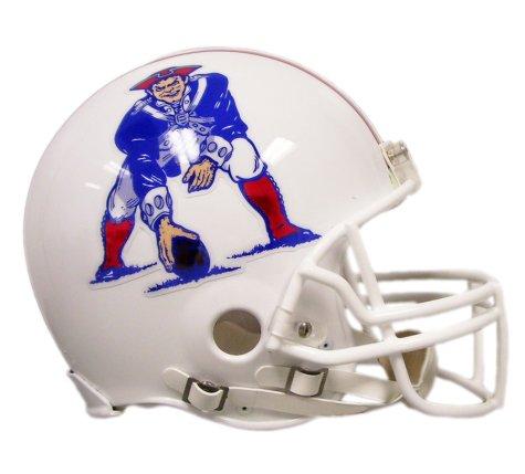 (NFL Riddell New England Patriots 1982-1989 Retro Mini Helmet - White)