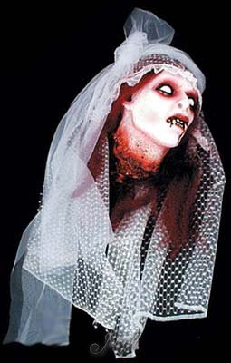 Bloody Gory Severed Vampire Brides Head Halloween Prop Pkg/1