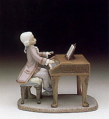 (Lladro Collectible Figurine