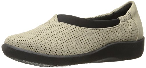 CLARKS Frauen CloudSteppers Sillian Jetay Flat Sand Perfed Mikrofaser