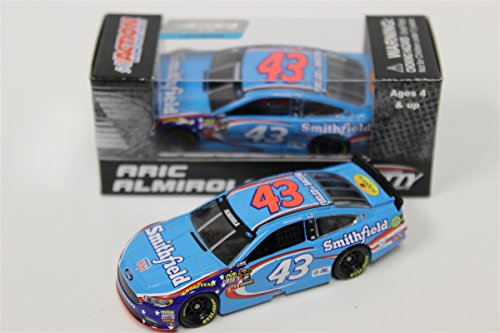 Lionel Racing Aric Almirola #43 Smithfield 2016 Ford Fusion NASCAR 1:64 Scale Diecast Car ()