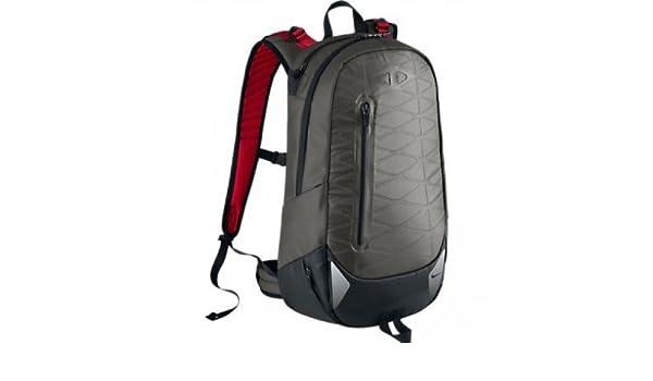 c752f17a1b0d Nike Cheyenne Vapor 2 Running Backpack, Grey/Red: Amazon.ca: Sports ...