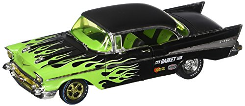 M2 Machines 1:24 Auto-Thentics Release 59 Version B - 1957 Chevrolet Bel Air (Black with Green Flames) ()