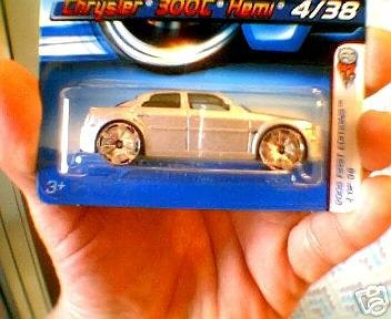 Mattel Hot Wheels 2006 1:64 Scale Silver Chrysler 300C Hemi 4/38 Die Cast Car #004
