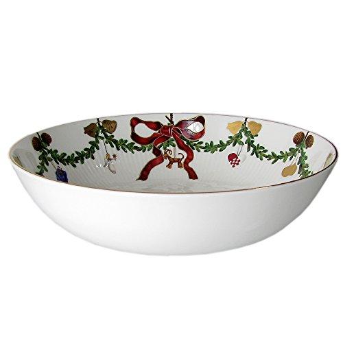 Star Fluted Christmas 104 oz. Bowl ()