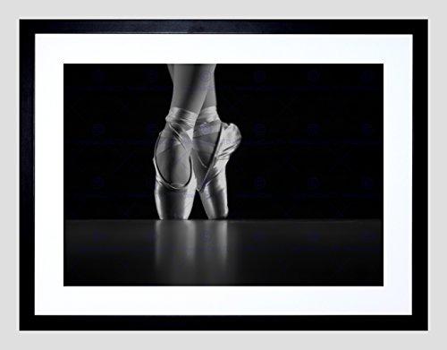PHOTO DANCING DANCER BALLERINA BALLET SHOES FRAMED ART PRINT POSTER F97X12213