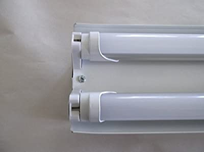 4 Ft. Hanging LED Shop Light Diffused Natural Light. Includes 2- 18w LED Bulbs W/hanging Pull Switch