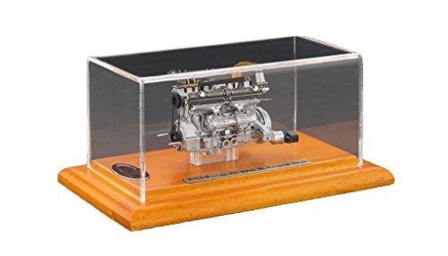 CMC-Classic Model Cars, USA Alfa Romeo 8C 2900B 1938 Engine in a Showcase Vehicle