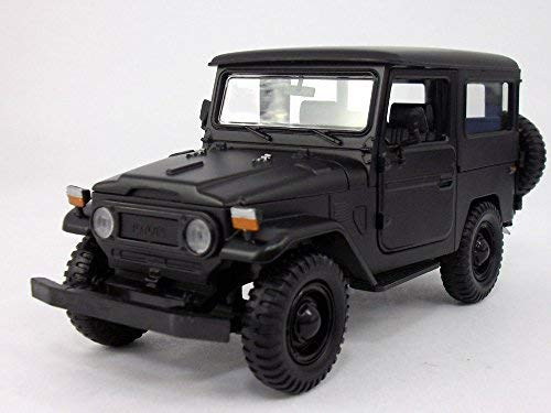 Toyota FJ40 Land Cruiser 1/24 Scale Diecast Metal Car Model - BLACK from Motormax