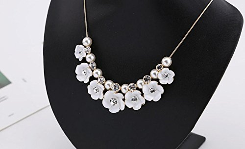 Anzona Fresh Elegant Flowers Pearl Necklace Lovely Short Jewelry Sweater Chain Female Clavicle Chain Dress Accessories by Anzona