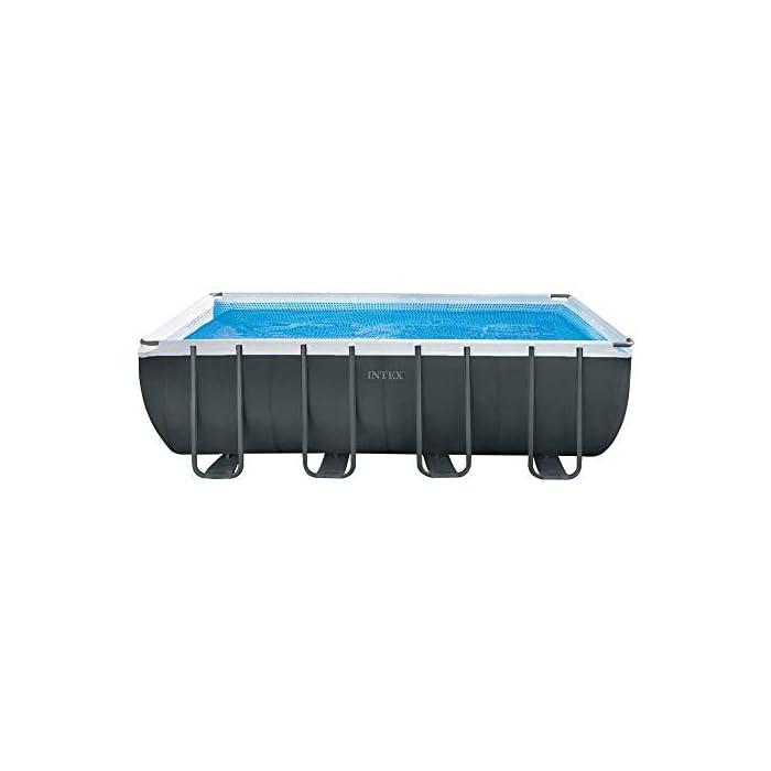 41CR3j1jzPL Piscina elevada rectangular gama ultra xtr frame Intex , las medidas de la piscina son 549 x 274 x 132 cm y su capacidad es de 17.203 litros Incluye depuradora de arena con capacidad de filtración de 4.500 l/h y conexión de 38 mm (arena no incluida), escalera de seguridad, tapiz y cobertor Estructura tubular: piezas de acero resistente recubierto en interior y exterior con acabado epoxi y tapón de vaciado con conex ión a manguera de jardín