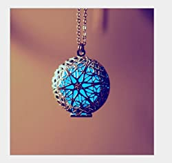 SAMYO Aromatherapy Health Fragrance Essential Oil Diffuser Necklace Locket Pendant Necklace Beauty Good For Aromatherapy On The Go -With Blue Luminous