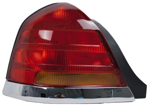 oe-replacement-ford-crown-victoria-ltd-driver-side-taillight-assembly-partslink-number-fo2800150