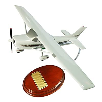 Mastercraft Collection Cessna Model 172 Skyhawk Model Scale:1/36
