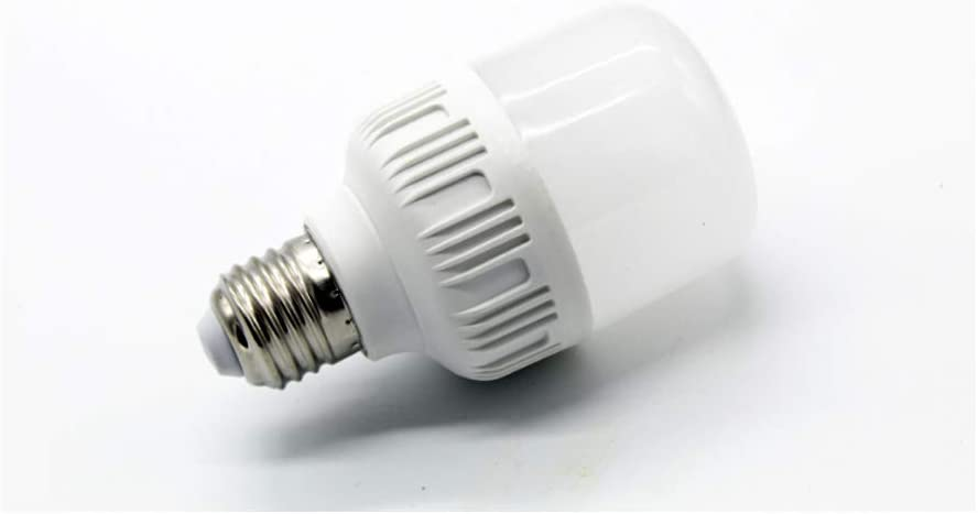 Low Voltage Light Bulbs for Landscape Lighting Camper Off Grid Solar Lighting MD Lighting 7W LED Light Bulb AC DC 12 Volt 4 Pack 3000K Warm White E26//E27 40-70 Watt Incandescent Bulbs Equivalent