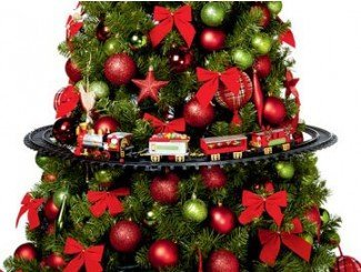 Christmas Tree Train - Animated Engine, with music and lights for your Christmas tree decoration by HDIUK (Image #1)