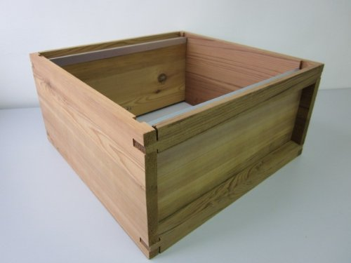Easipet National Cedar Bee Hive Starter hive with frames and wax