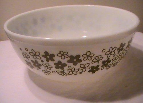Corning Pyrex Crazy Daisy ' Spring Blossom' 4-Quart Bowl